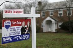 Una vivienda a la venta en Silver Springs, EEUU, dic 30, 2015. Los precios de las casas unifamiliares en Estados Unidos subieron en enero a un ritmo más veloz a lo previsto debido a la escasez de inventarios, mostró el martes un informe.       REUTERS/Gary Cameron
