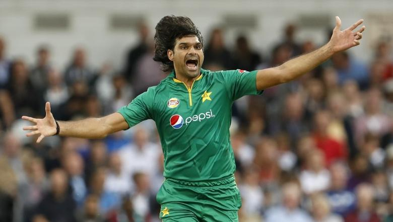 England v Pakistan - Fourth One Day International - Headingley - 1/9/16.Pakistan's Mohammad Irfan celebrates taking the wicket of England's Alex HalesAction Images via Reuters / Lee Smith Livepic