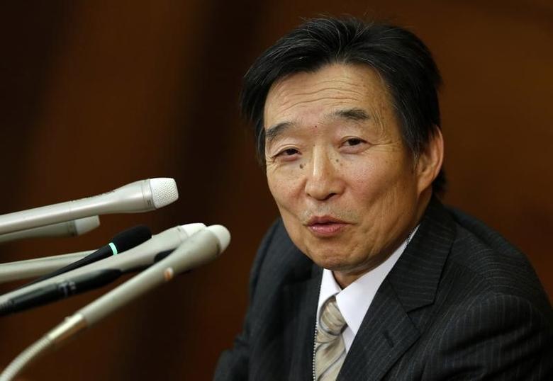 Bank of Japan's (BOJ) new Deputy Governor Kikuo Iwata speaks at a news conference at the BOJ headquarters in Tokyo March 21, 2013. REUTERS/Toru Hanai