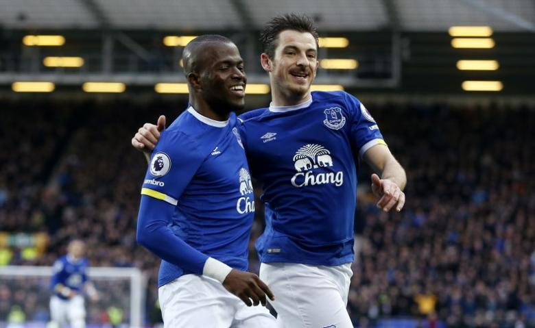 Britain Football Soccer - Everton v Hull City - Premier League - Goodison Park - 18/3/17 Everton's Enner Valencia  celebrates scoring their second goal with Leighton Baines (R) Reuters / Andrew Yates Livepic EDITORIAL USE ONLY. No use with unauthorized audio, video, data, fixture lists, club/league logos or ''live'' services. Online in-match use limited to 45 images, no video emulation. No use in betting, games or single club/league/player publications.  Please contact your account representative for further details.