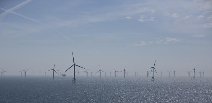 Wind turbines are pictured in RWE Offshore-Windpark Nordsee Ost in the North sea, 30 km from Helgoland, Germany, May 11, 2015.  REUTERS/Christian Charisius/Pool