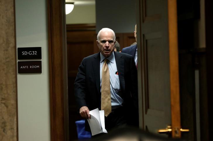 Senator John McCain (R-AZ), U.S. Senate Armed Services Committee Chairman, arrives for a hearing on Capitol Hill in Washington, U.S., April 4, 2017. REUTERS/Yuri Gripas