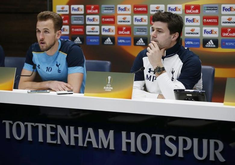 Britain Soccer Football - Tottenham Hotspur Press Conference - Tottenham Hotspur Training Ground - 22/2/17 Tottenham manager Mauricio Pochettino and Harry Kane during the press conference  Action Images via Reuters / Paul Childs Livepic