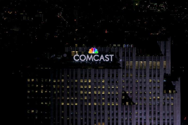 comcast enters u s wireless business with unlimited data plans