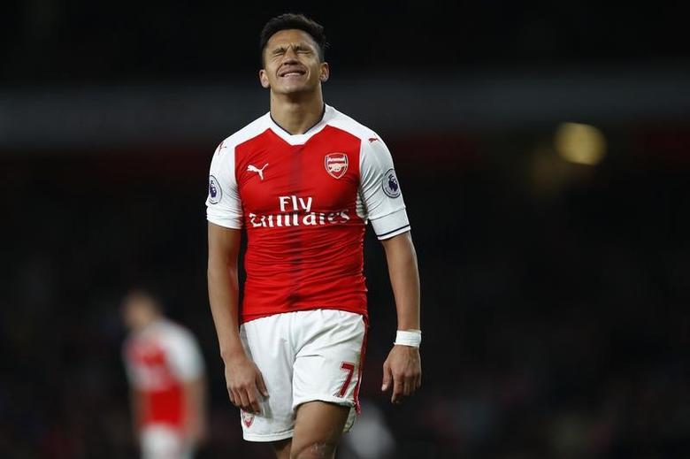 Britain Soccer Football - Arsenal v West Ham United - Premier League - Emirates Stadium - 5/4/17 Arsenal's Alexis Sanchez reacts Reuters / Eddie Keogh Livepic