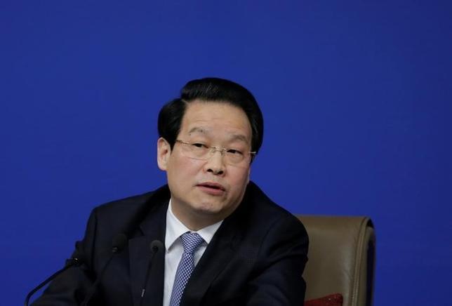 4月9日、中国共産党中央規律検査委員会は、中国保険監督管理委員会(CIRC)トップ(主席)の項俊波氏を「重大な規律違反」の疑いで調査していると発表した。写真は昨年3月、全国人民代表大会で記者会見を行う項俊波氏(2017年 ロイター/Jason Lee)
