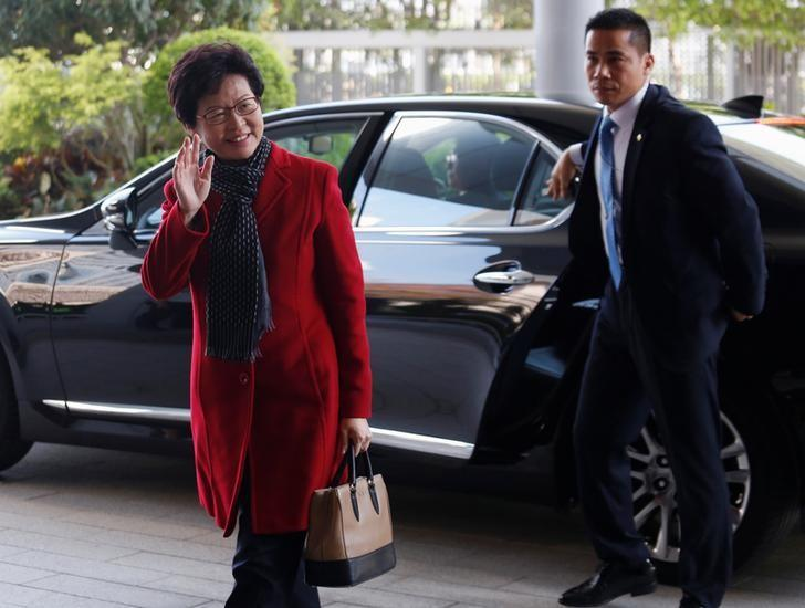 Newly elected Chief Executive Carrie Lam arrives to meet current leader Leung Chun-ying in Hong Kong, China March 27, 2017.      REUTERS/Bobby Yip