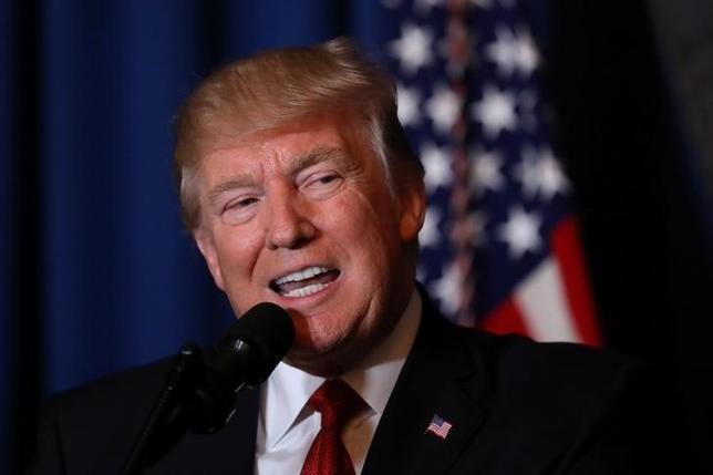 4月13日、トランプ米大統領はツイッターで、米ロ関係は結果的に良好になるとの考えを示した。写真はフロリダ州で6日撮影(2017年 ロイター/Carlos Barria)