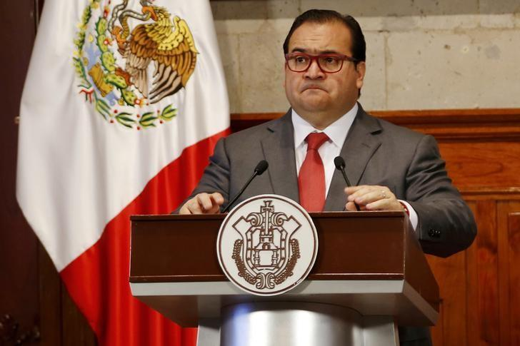 Javier Duarte, Governor of the state of Veracruz, attends a news conference in Xalapa, Mexico, August 10, 2015. REUTERS/Stringer/Files
