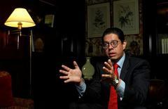 El subsecretario de Comercio de México, Juan Carlos Baker, habla durante una entrevista con Reuters en Buenos Aires. 18 de abril de 2017. México espera cerrar cerca de fin de año un acuerdo comercial  con Argentina que impulsaría el intercambio automotor y agropecuario entre dos de las tres mayores economías de América Latina, dijo el martes el líder de los negociadores del país norteamericano. REUTERS/Martin Acosta
