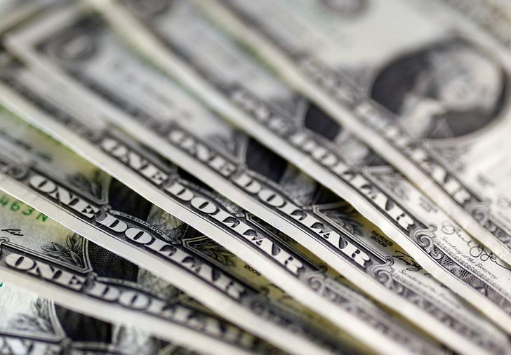 资料图片:2016年11月,美元纸币。REUTERS/Dado Ruvic