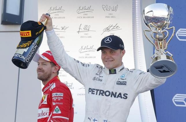 4月30日、自動車レースF1の今季第4戦、ロシア・グランプリ(GP)は、ロシアのソチで決勝を行い、バルテリ・ボッタス(フィンランド、メルセデス)がF1初優勝。メルセデスに同GP4年連続優勝をもたらした(2017年 ロイター/Maxim Shemetov)