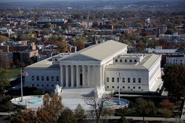 FILE PHOTO: A general view of the U.S. Supreme Court building in Washington, U.S., November 15, 2016. REUTERS/Carlos Barria
