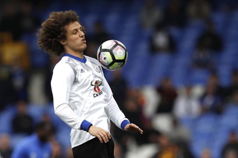 Britain Football Soccer - Everton v Chelsea - Premier League - Goodison Park - 30/4/17 Chelsea's David Luiz warms up before the match Reuters / Phil Noble Livepic