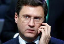 El ministro de Energía ruso Alexander Novak en Moscú, Rusia. 10 de noviembre 2016. El ministro de Energía ruso, Alexander Novak, señaló el lunes que apoya la extensión de los recortes a la producción petrolera que acordaron los principales exportadores, que dijo ayudarían a acelerar el retorno a un mercado más sano. REUTERS/Sergei Karpukhin - RTX2T0F8