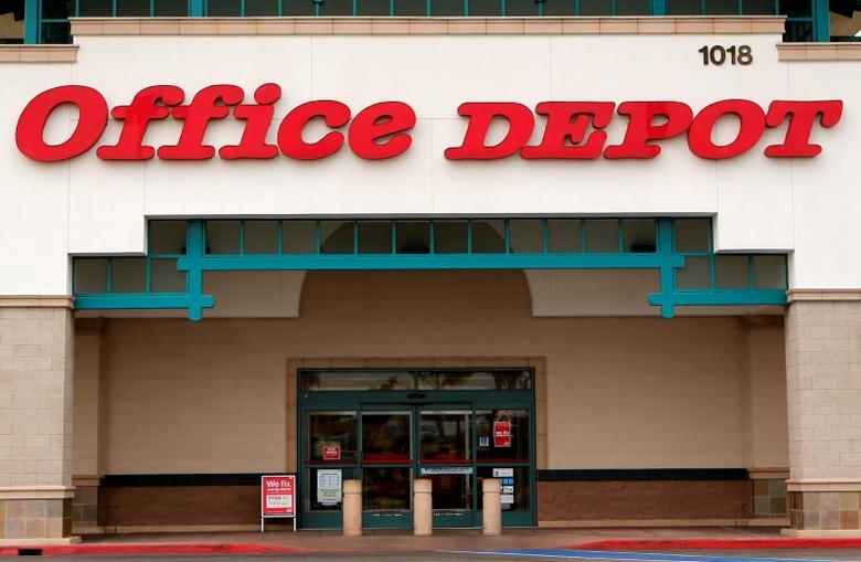 FILE PHOTO: An Office Depot store is pictured in Encinitas, California, February 19, 2013.    REUTERS/Mike Blake/File Photo