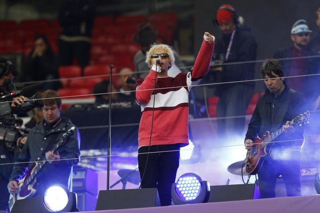 Rugby League - Leeds Rhinos v Wigan Warriors - First Utility Super League Grand Final - Old Trafford - 10/10/15The Charlatans perform before the gameMandatory Credit: Action Images / Ed SykesLivepic