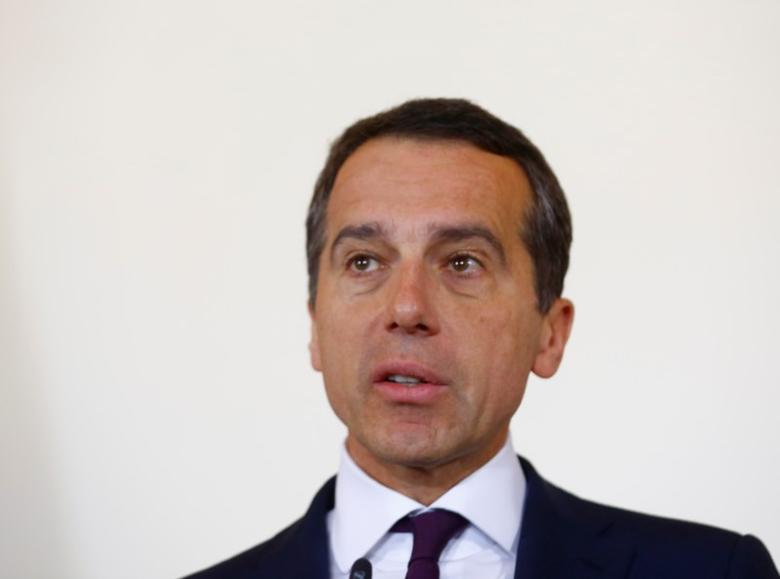 Austrian Chancellor Christian Kern addresses a news conference in Vienna, Austria, May 10, 2017.   REUTERS/Leonhard Foeger