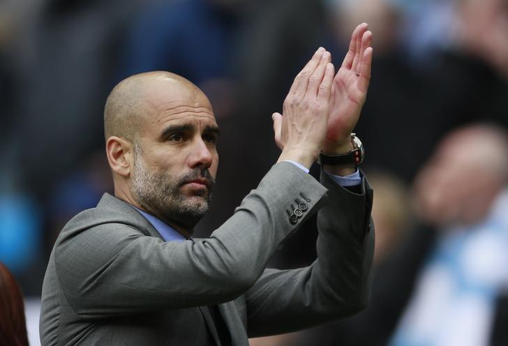 Britain Soccer Football - Manchester City v Crystal Palace - Premier League - Etihad Stadium - 6/5/17 Manchester City manager Pep Guardiola applauds fans after the match  Action Images via Reuters / Jason Cairnduff Livepic