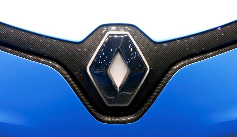 The logo of Renault is seen during the 87th International Motor Show at Palexpo in Geneva, Switzerland March 8, 2017. REUTERS/Arnd Wiegmann/File Photo