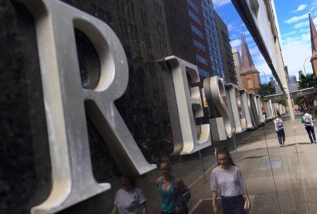 5月16日、オーストラリア準備銀行(中央銀行、RBA)は、5月の理事会の議事要旨を公表した。写真は昨年10月、RBAシドニー本店で撮影(2017年 ロイター/David Gray)