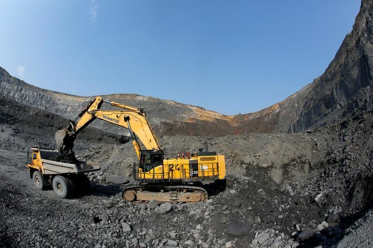 资料图片:2016年8月,俄罗斯西伯利亚Novoangarsk附近的Gorevsky GOK铅锌矿。REUTERS/Ilya Naymushin