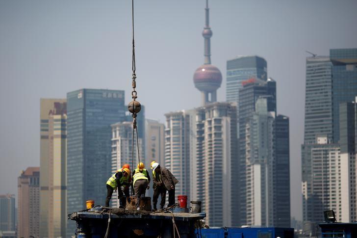 2017年3月27日,上海浦东陆家嘴金融区附近的一处建筑工地。REUTERS/Aly Song