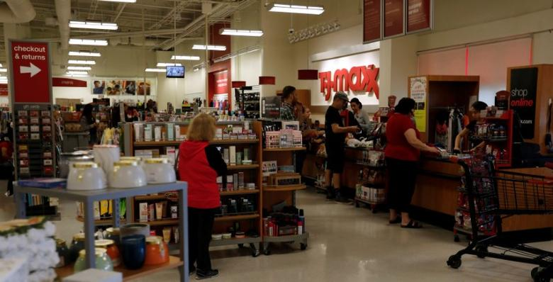 FILE PHOTO: A T.J. Maxx store which is owned by TJX Cos Inc in Pasadena, California U.S., May 15, 2017.   REUTERS/Mario Anzuoni