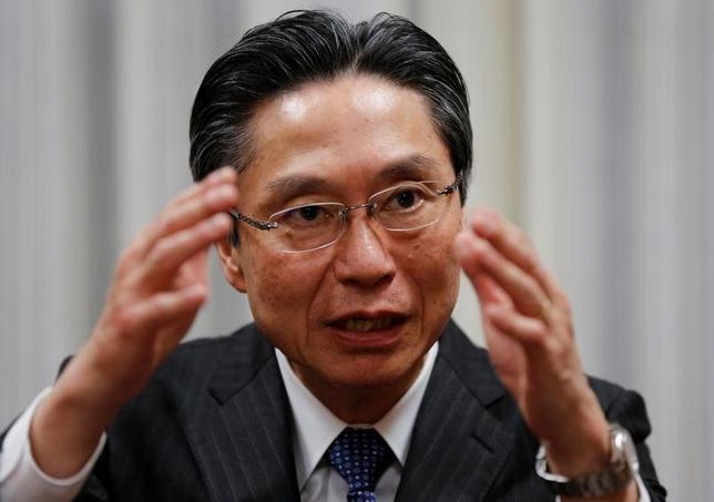 5月18日、全国銀行協会の小山田隆会長(写真)は定例会見で、2017年3月期の銀行決算を踏まえ、「厳しい経営環境が続くと思う。収益力が大きく回復する道筋は容易ではない」と述べた。3月撮影(2017年 ロイター/Toru Hanai)