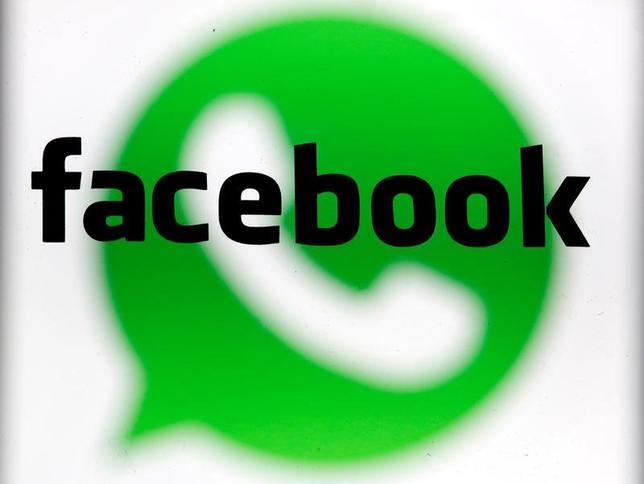5月18日、欧州連合(EU)の欧州委員会ば、米フェイスブックに対し、対話アプリ大手ワッツアップ買収に絡み誤解を招く情報を提供したとして、1億1000万ユーロ(1億2200万ドル)の罰金を科した。2014年2月撮影(2017年 ロイター/Dado Ruvic/Illustration/File Photo)