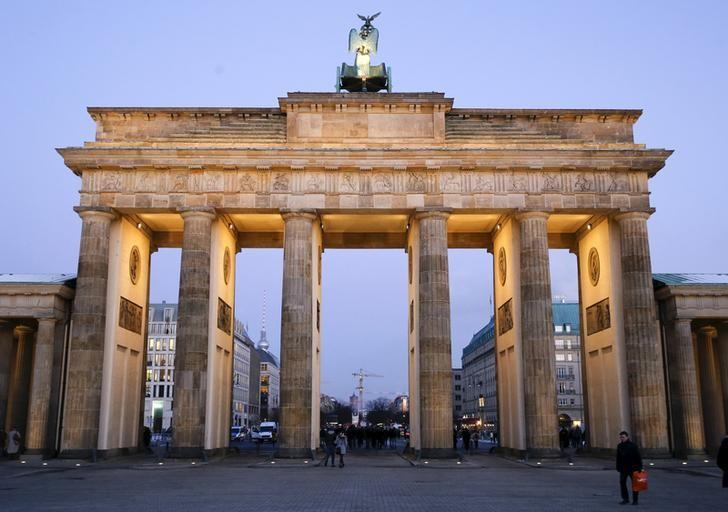 2016年1月11日,德国柏林,柏林地标之一--勃兰登堡门。REUTERS/Fabrizio Bensch