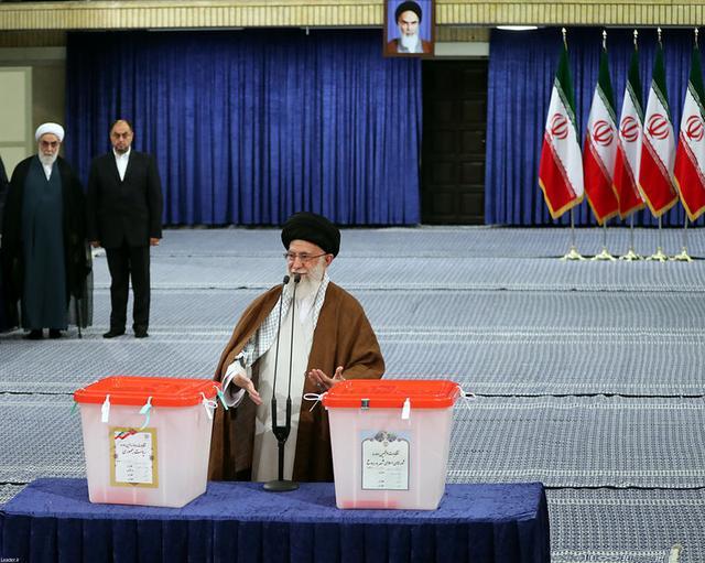 Iran's Supreme Leader Ayatollah Ali Khamenei gestures as he casts his vote during the presidential election in Tehran, Iran, May 19, 2017. Leader.ir/Handout via REUTERS