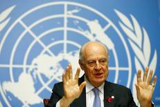مبعوث الأمم المتحدة إلى سوريا ستافان دي ميستورا يتحدث خلال مؤتمر صحفي في جنيف يوم الجمعة. تصوير: بيير البوي - رويترز.