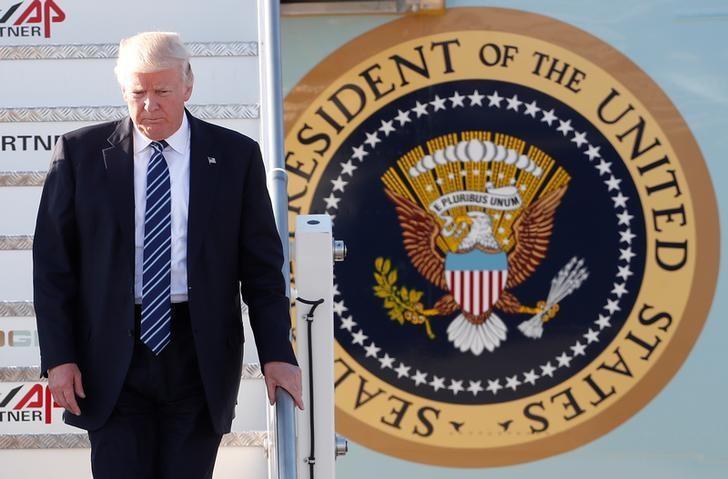 U.S. President Donald Trump arrives at the Leonardo da Vinci-Fiumicino Airport in Rome, Italy, May 23, 2017.       REUTERS/Remo Casilli