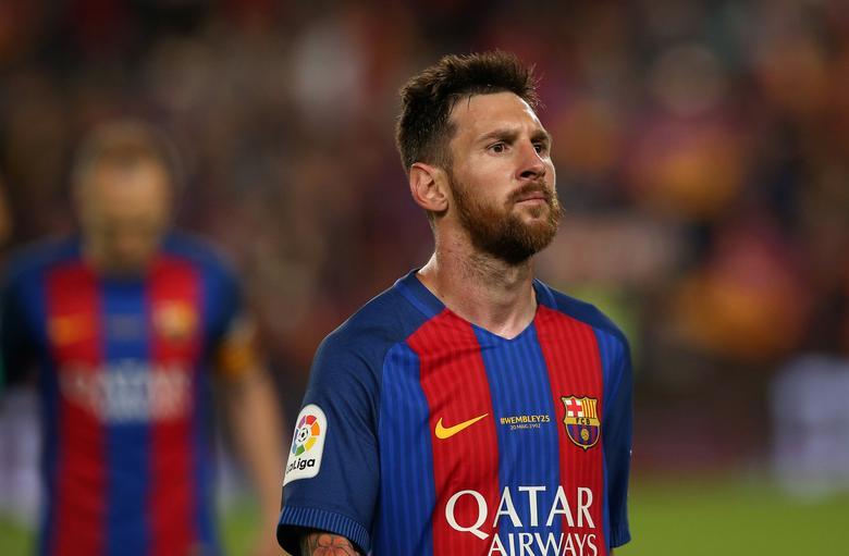 Football Soccer - FC Barcelona v Eibar - Spanish Liga Santander - Nou Camp, Barcelona, Spain - 21/5/17Barcelona's Lionel Messi looks dejected after the match Reuters / Albert Gea