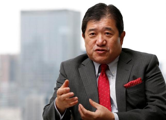5月24日、三井物産の安永竜夫社長は資源価格の変動リスクに向き合う中で、経営の舵取りにおいては、キャッシュフローを重視する姿勢をあらためて示した(2017年 ロイター/Issei Kato)