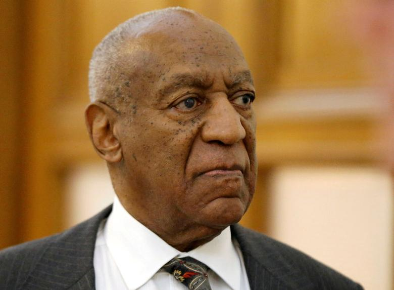 FILE PHOTO - Bill Cosby departs the Montgomery County Courthouse after a preliminary hearing in Norristown, Pennsylvania, U.S. on May 24, 2016.  REUTERS/Matt Rourke/Pool/File Photo