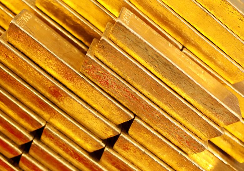 FILE PHOTO: Gold bars are seen at the Czech National Bank in Prague, Czech Republic April 16, 2013. REUTERS/Petr Josek/File Photo