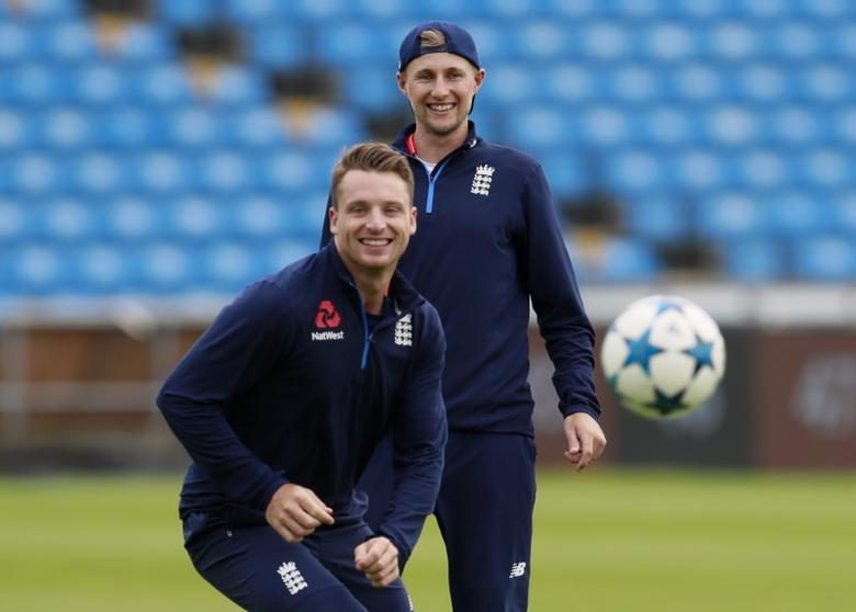Britain Cricket - England Nets & Press Conference - Headingley - 22/5/17 England's Joe Root and Jos Buttler play football during nets Action Images via Reuters / Jason Cairnduff Livepic