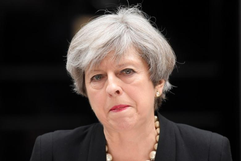 2017年5月23日,英国首相特雷莎·梅在唐宁街10号外发表讲话。REUTERS/Toby Melville