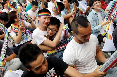 Taiwan court rules in favor of same-sex marriage
