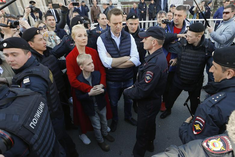 Russian opposition leader Alexei Navalny attends a protests against decision by authorities to demolish soviet five-storey houses in Moscow, Russia, May 14, 2017. REUTERS/Sergei Karpukhin