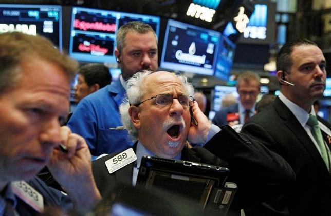 5月25日、米国株式市場は、主要株価指数が続伸して取引を終えた。2016年10月撮影(2017年 ロイター/Brendan McDermid)