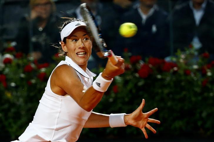 Tennis - ATP - Rome Open - Garbine Muguruza of Spain v Venus Williams of the United States - Rome, Italy - 19/5/17 - Muguruza of Spain returns the ball. REUTERS/Stefano Rellandini
