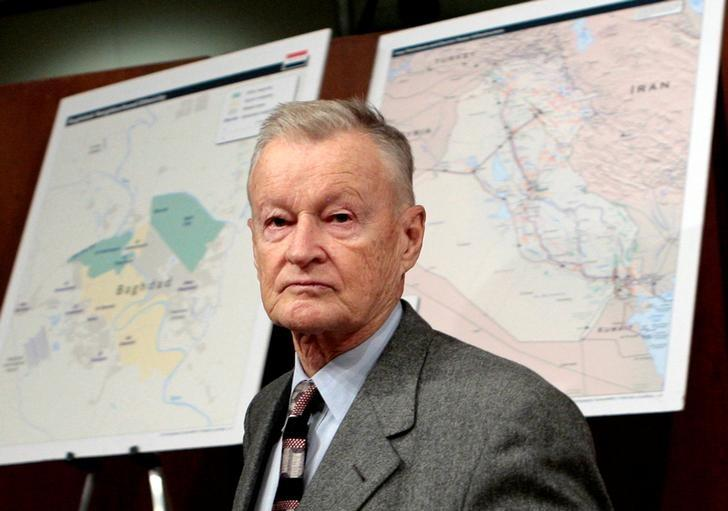 Former U.S. National Security Adviser Zbigniew Brzezinski arrives to testify before the Senate Foreign Relations Committee on Capitol Hill in Washington, February 1, 2007. REUTERS/Jim Young/File Photo