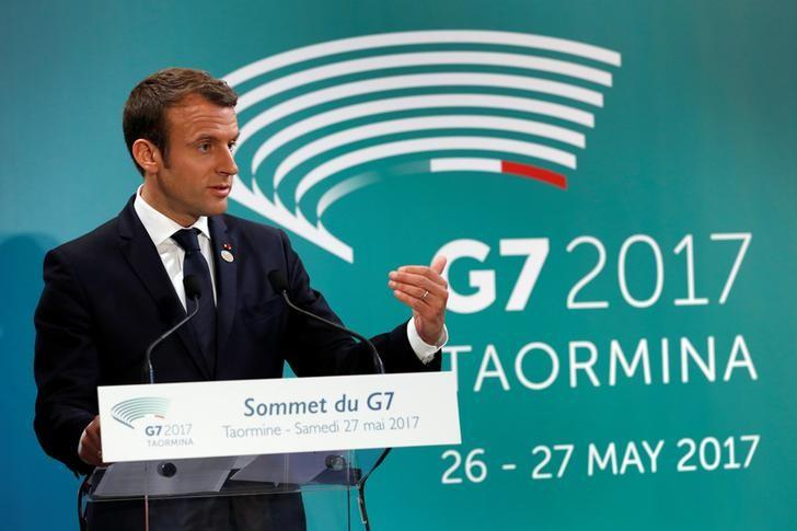 French President Emmanuel Macron addresses a press confierence at the end of the G7 Summit in Taormina, Sicily, Italy, May 27, 2017.       REUTERS/Philippe Wojazer