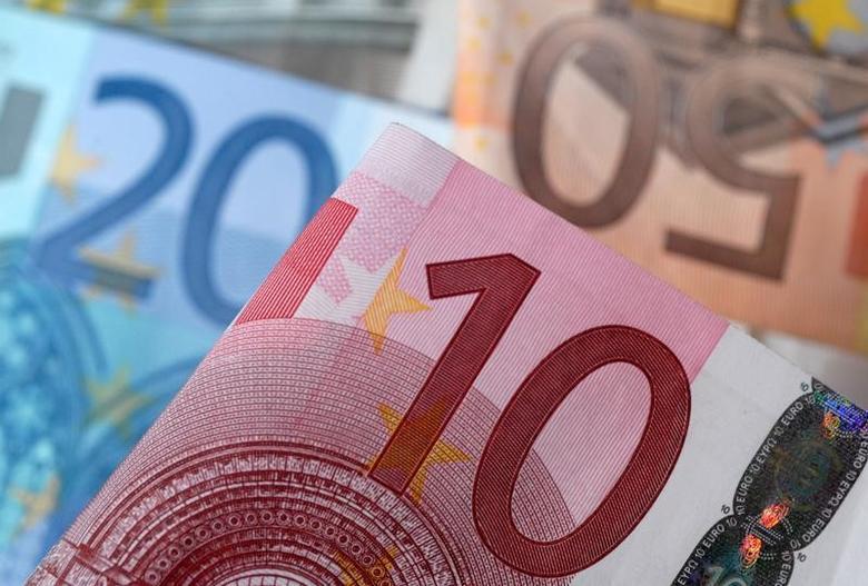 资料图片:2014年4月,多种面值的欧元纸币。REUTERS/Dado Ruvic