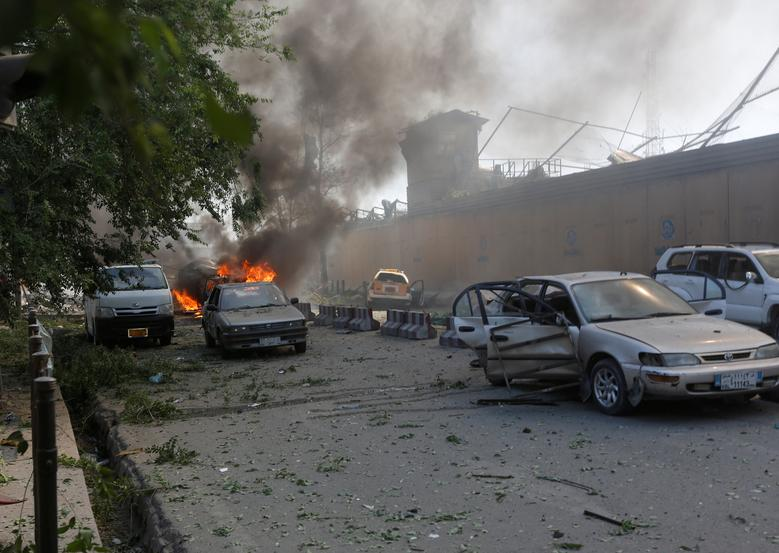 Damaged cars are seen at the site of a blast in Kabul, Afghanistan May 31, 2017. REUTERS/Omar Sobhani