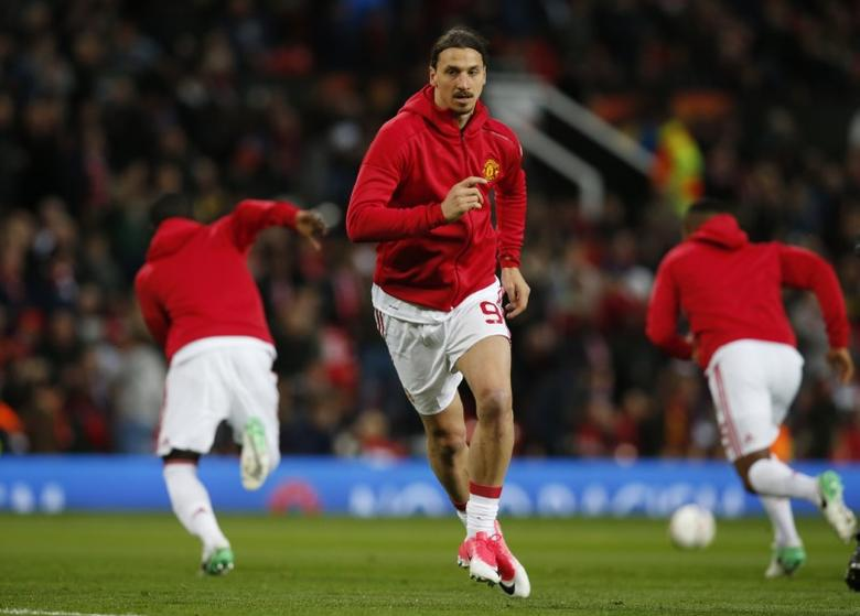 Britain Football Soccer - Manchester United v RSC Anderlecht - UEFA Europa League Quarter Final Second Leg - Old Trafford, Manchester, England - 20/4/17 Manchester United's Zlatan Ibrahimovic warms up before the game Reuters / Andrew Yates Livepic