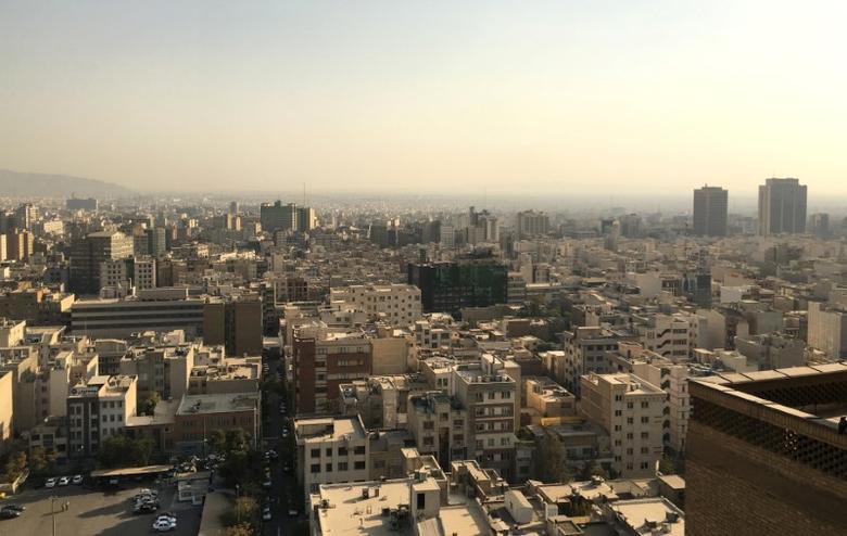 Tehran skyline as seen from Iran's interior ministry in Tehran, October 24, 2016.  Picture taken on October 24, 2016.   REUTERS/Gabriela Baczynska